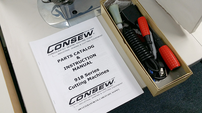 CONSEW 918-6 Cutting Knife