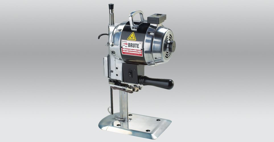 EASTMAN BRUTE Straight Knife Cutting Machine