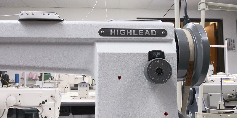 HIGHLEAD GC-24018 Post Bed Roller Foot Sewing Machine