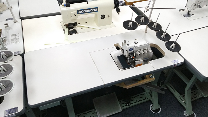 JACK JK-805D Five Thread Serger Overlock Sewing Machine with Direct Drive Motor $1,250 NEW