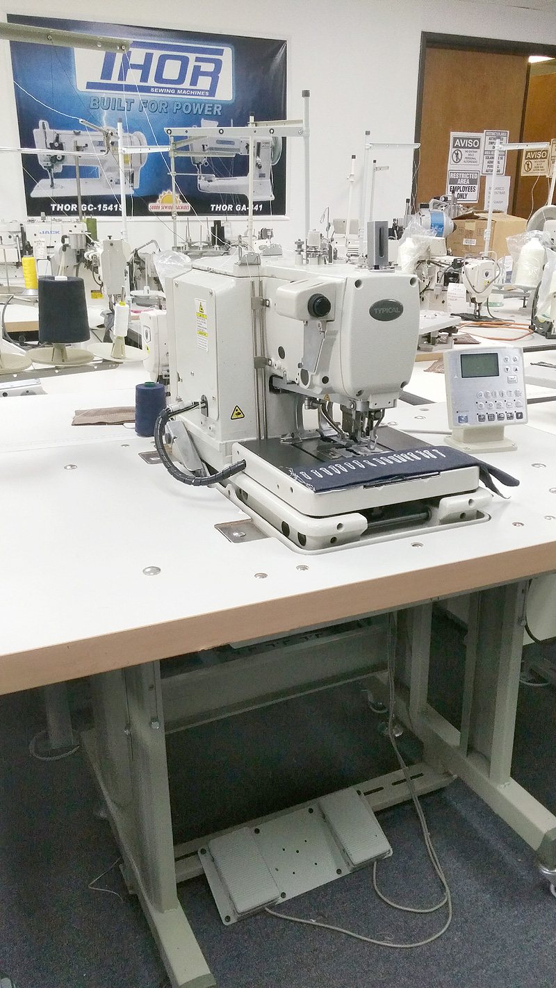 TYPICAL GT9820-02 Electronic Keyhole Buttonhole Sewing Machine