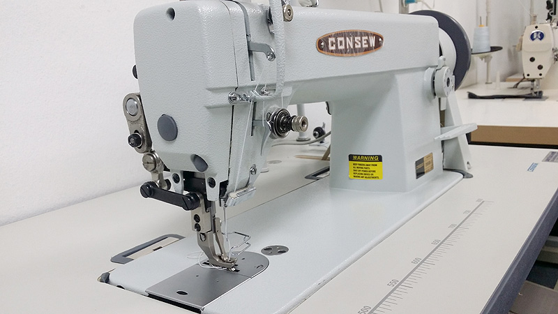 CONSEW 205RB-1 Leather Bag Sewing Machine